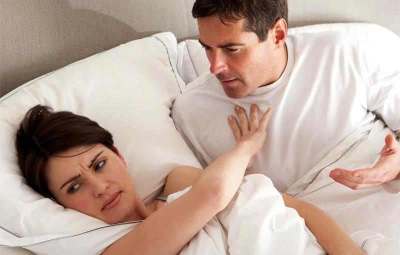 khô âm đạo, đau rát là dấu hiệu của tiền mãn kinh