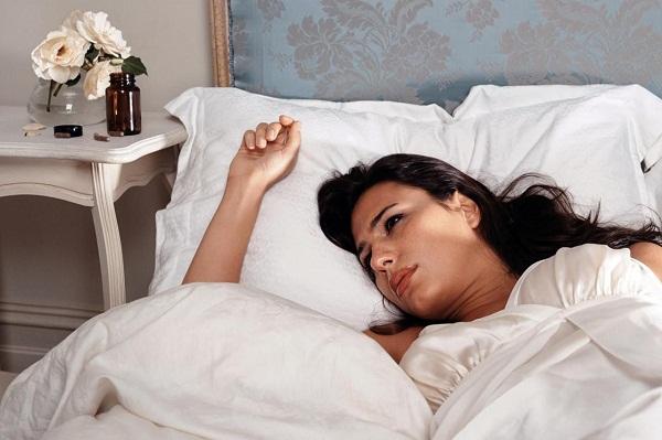 mất ngủ là triệu chứng của bệnh gì