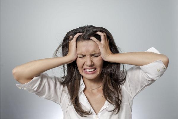 suy giảm nội tiết tố nữ gây cáu gắt